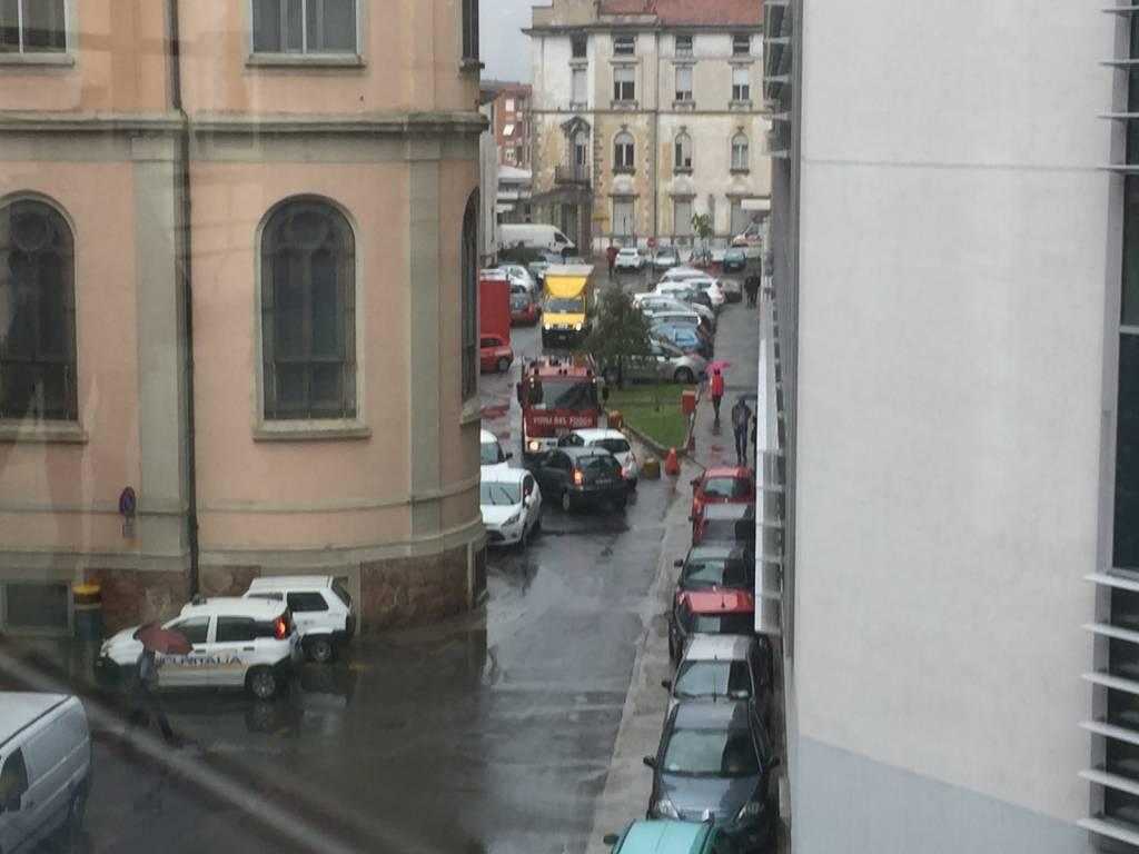 Ospedale evacuato, vigili del fuoco in azione
