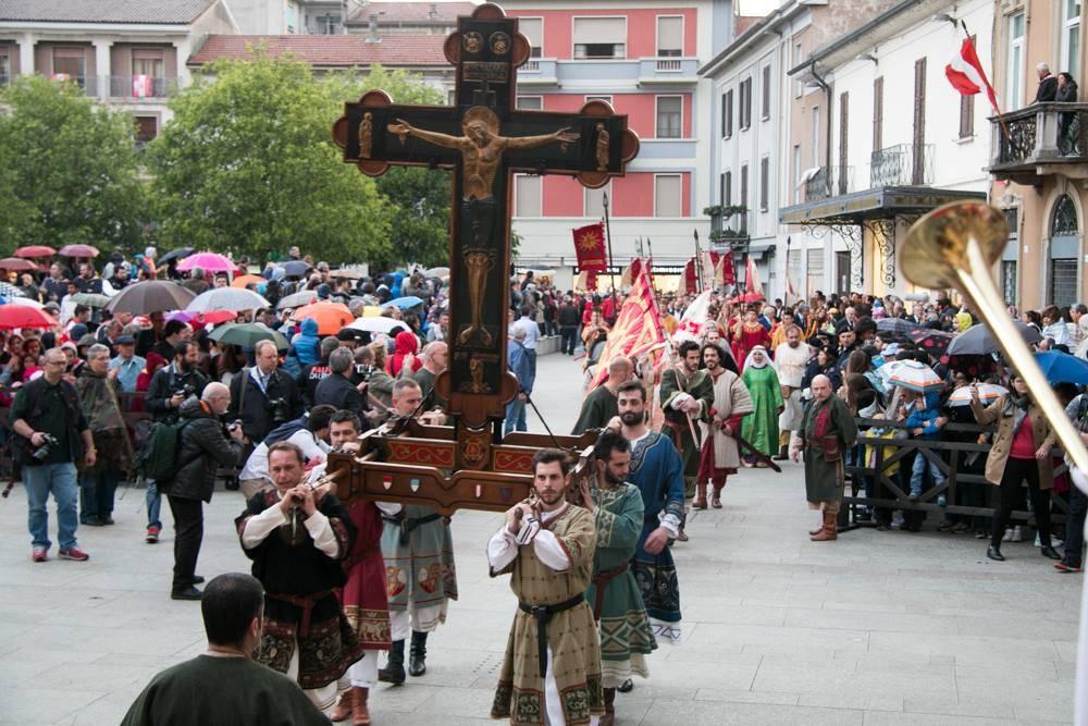 Palio di Legnano: la traslazione della croce