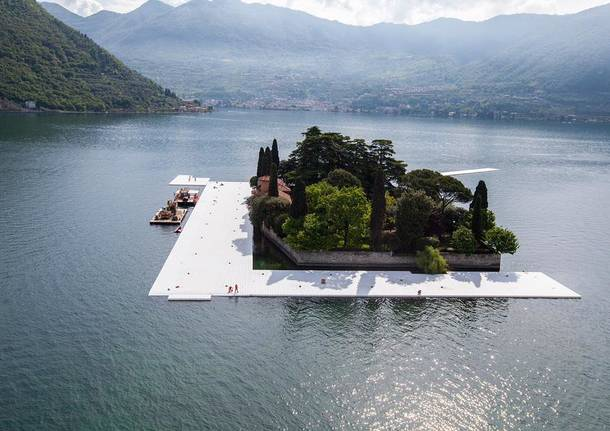 The floating piers: l'inizio dell'allestimento
