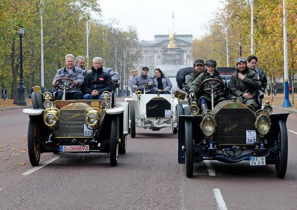 Arrivano le centenarie - raduno auto storiche