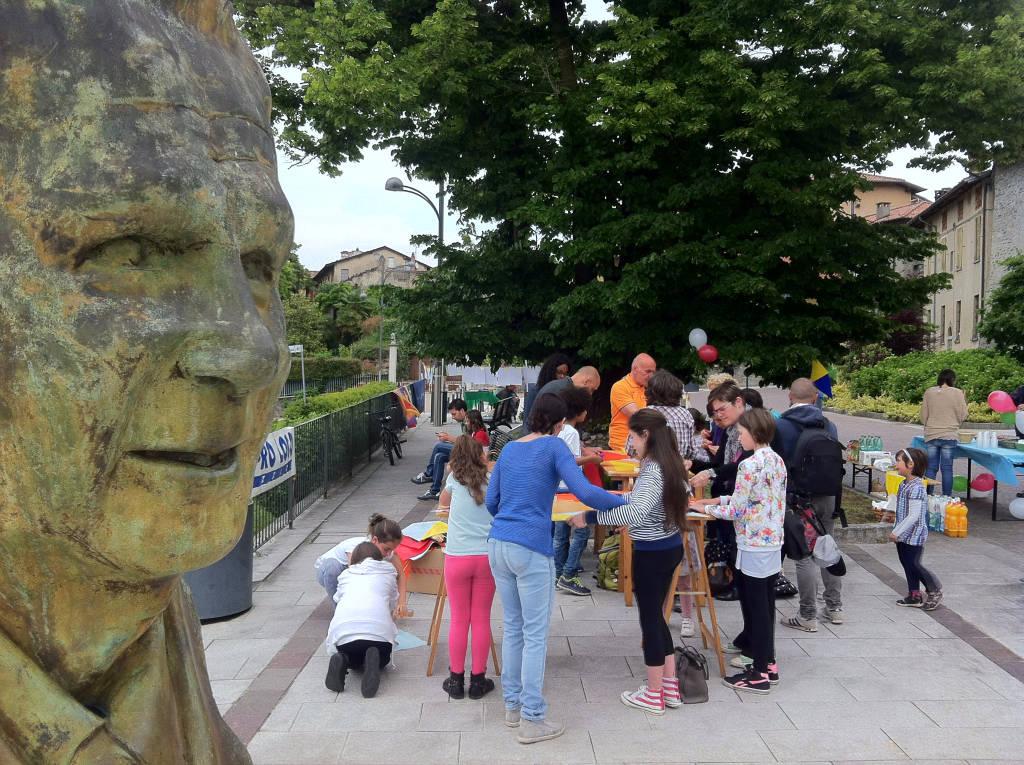 2 giugno, Azzate fa festa con i diciottenni e i bambini