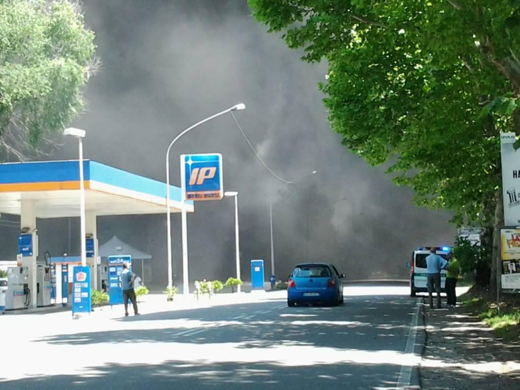 Incendio Castellanza via Diaz/2 - le foto dei lettori