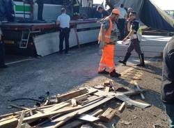 Incidente pullman camion in A1