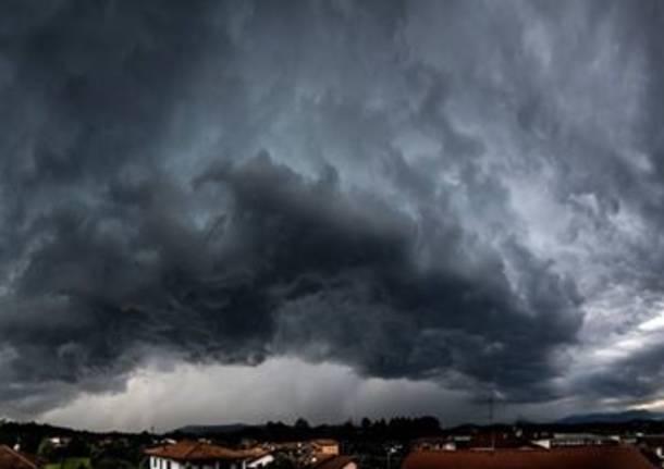 Nuvole nere nel cielo dei lettori