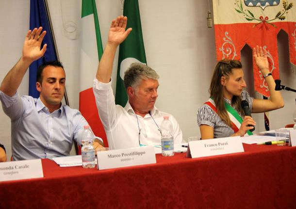 Primo consiglio comunale a Porto Ceresio