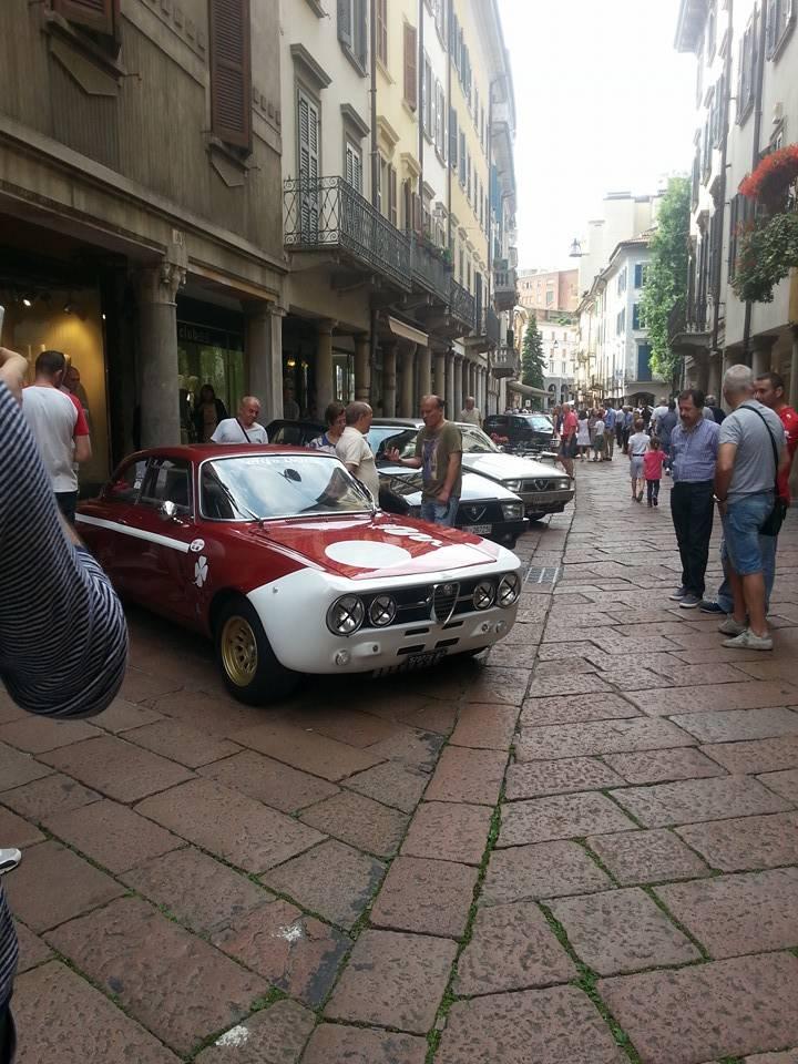 Alfa Romeo storiche in centro a Varese