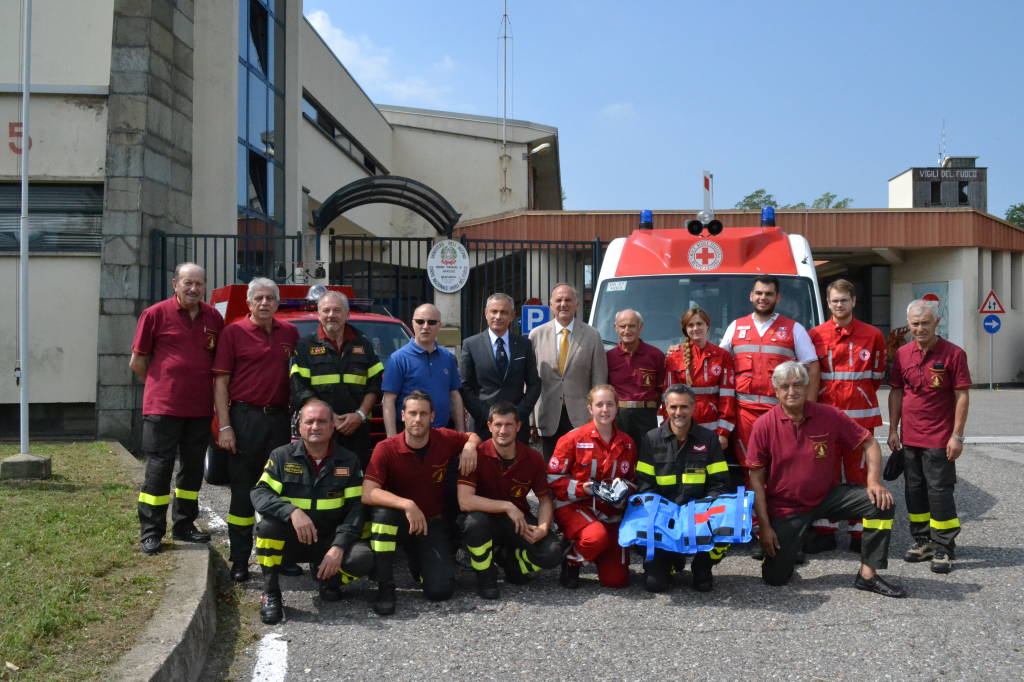Dono al Sorriso: i vigili del fuoco aiutano i bambini