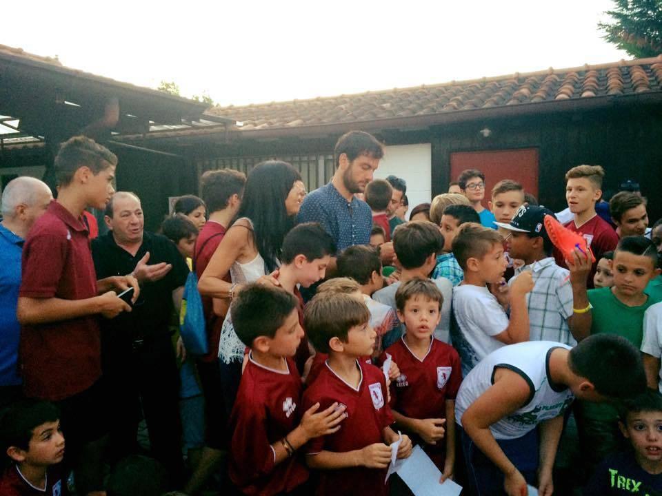 Parolo in visita alla sua scuola calcio