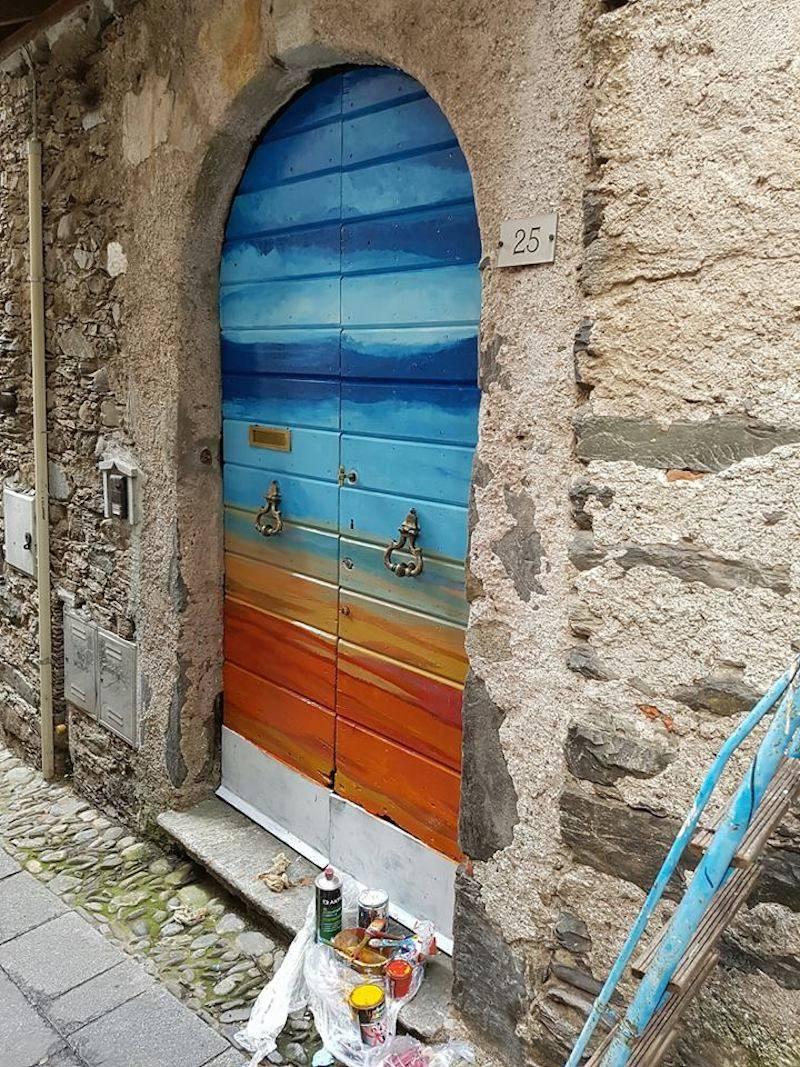 """A Maccagno \""""Portoni dipinti\"""""""