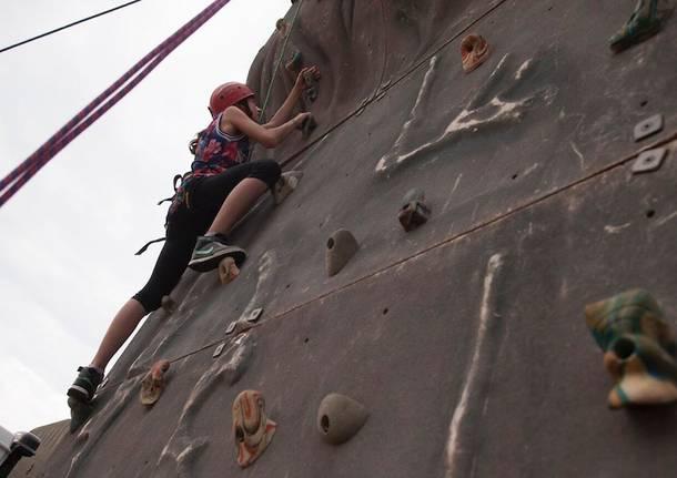 festa protezione civile fagnano olona parete di arrampicata