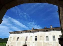 Il cielo blu di Bisuschio - foto di Laura Olivas