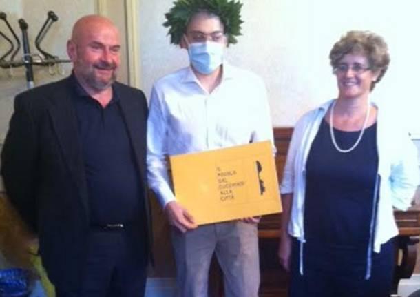Lorenzo si laurea in Architettura mentre combatte contro la leucemia