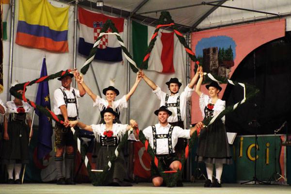 Le immagini del Festival del Folclore a Cunardo