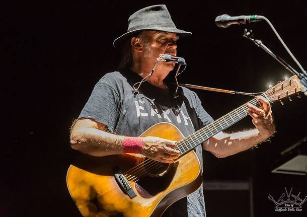 Neil Young in concerto al Market Sound