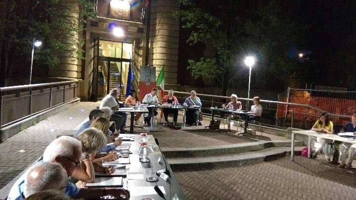 Primo consiglio comunale a Caronno Pertusella