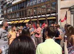 Protesta dei lavoratori della Quiete davanti il Tribunale