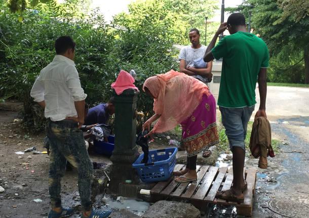 Al campo dei migranti a Como 1