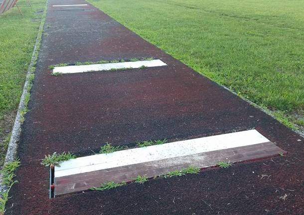 La pista di atletica di Gavirate in pessime condizioni