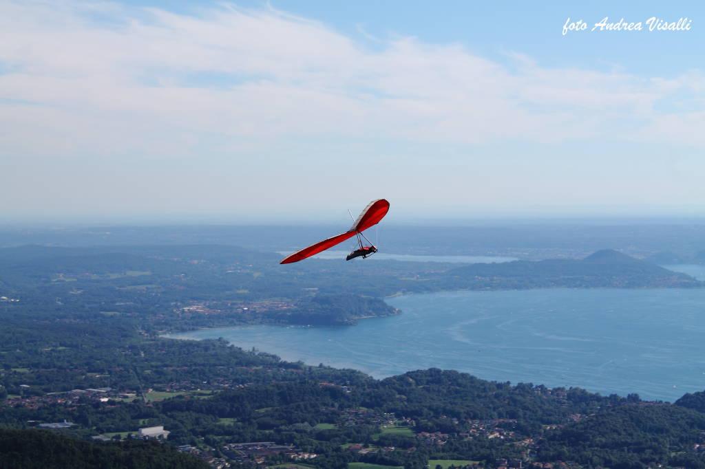 In volo sul Lago Maggiore