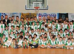 foto di gruppo basket valceresio