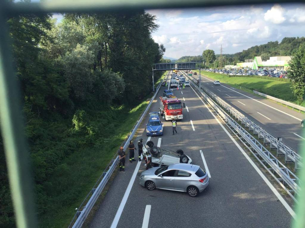 incidente solbiate arno autostrada a8