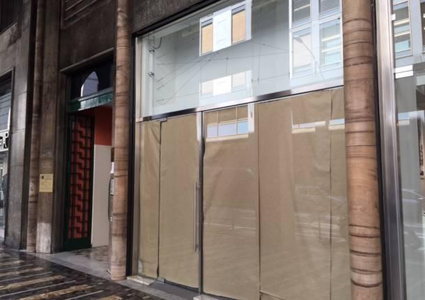 negozio chiusi varese
