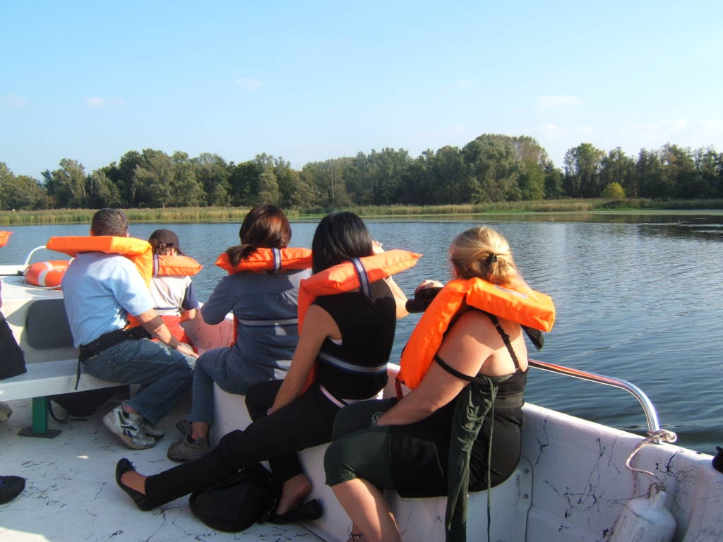 In barca sul lago