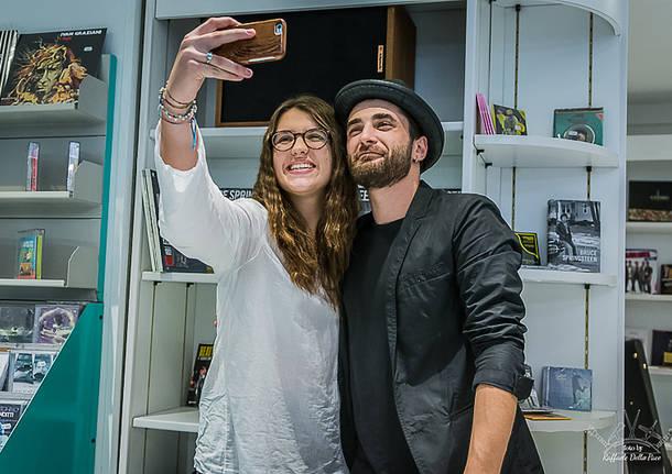 Giò Sada incontra i fan a Varese Dischi