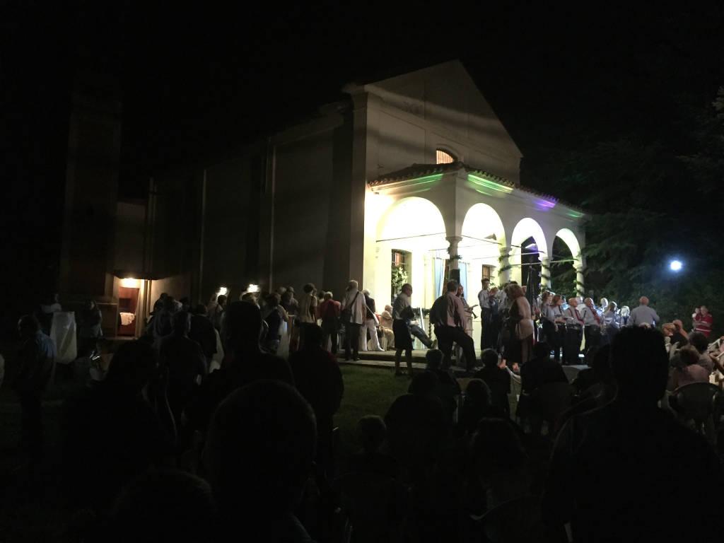 Lancio delle lanterne per la Madonna delle Vigne
