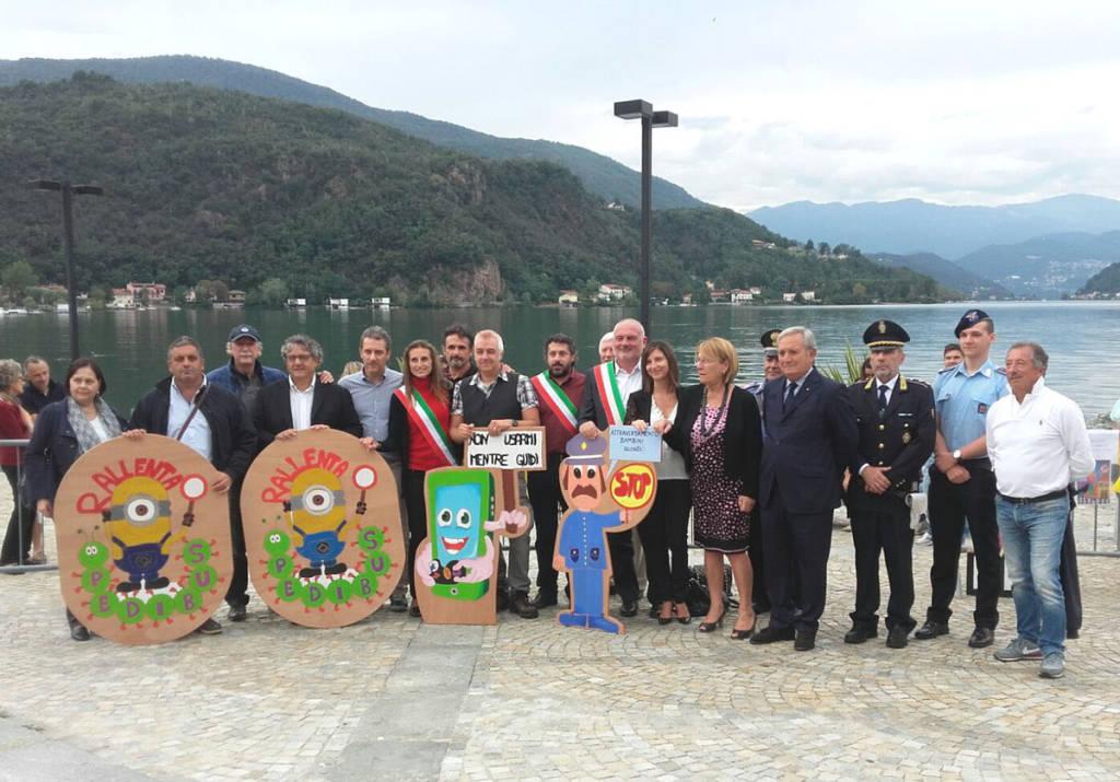 Porto Ceresio - L'inaugurazione della segnaletica stradale disegnata dai bambini
