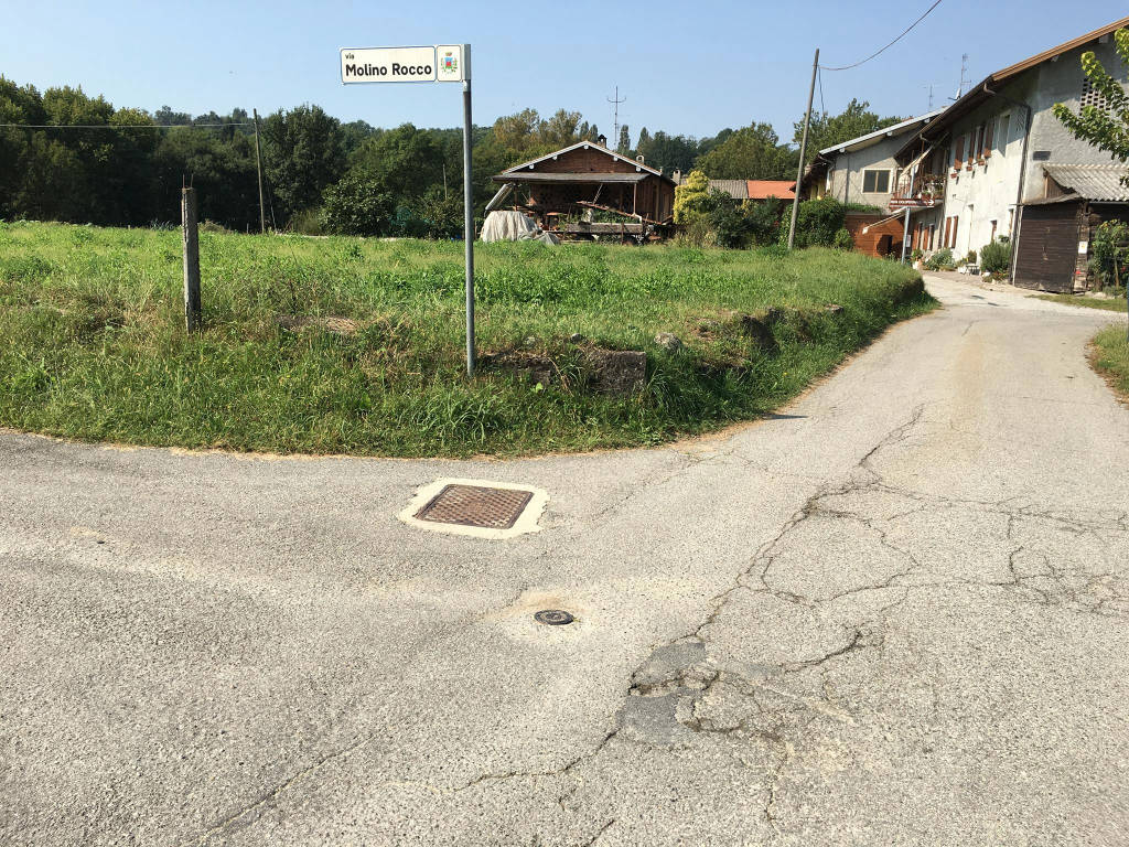 Via Mulino Rocco abbandonata