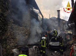 Abitazione distrutta dalle fiamme