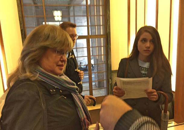 Centinaia di biondi per il casting di Varese