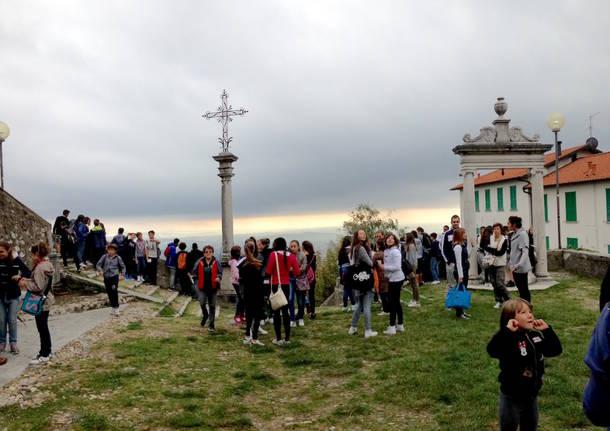 Una mattina al Sacro Monte con l'Educandato di Roggiano