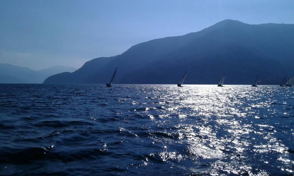 Il lago visto dalla regata