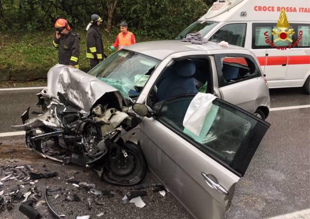 Scontro d'auto a Besano