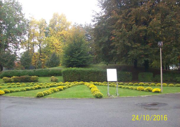 Aiuole al cimitero parco di Legnano