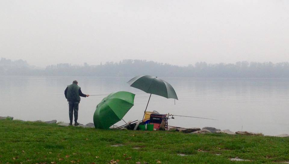pescatore lago di varese angela garegnani