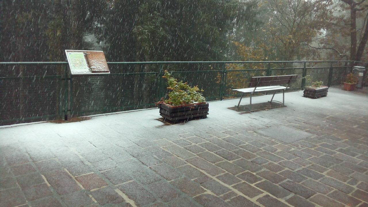 Prima neve al Campo dei Fiori (foto di Artur)