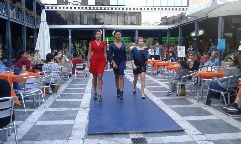 Sfila in centro la moda Solidale