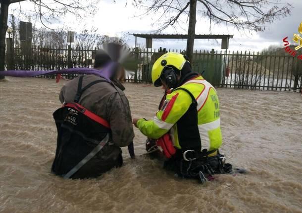 Alluvione Piemonte vigili del fuoco di Varese