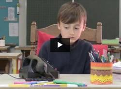 Bambini alle prese con il vecchio telefono - Patti chiari