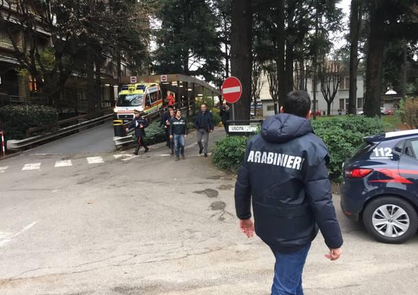 Carabinieri in ospedale, perquisizioni in corso