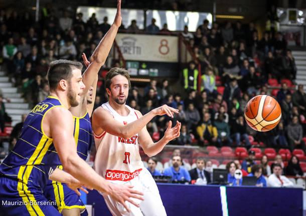Openjobmetis Varese - Ewe Baskets Oldenburg 76-71