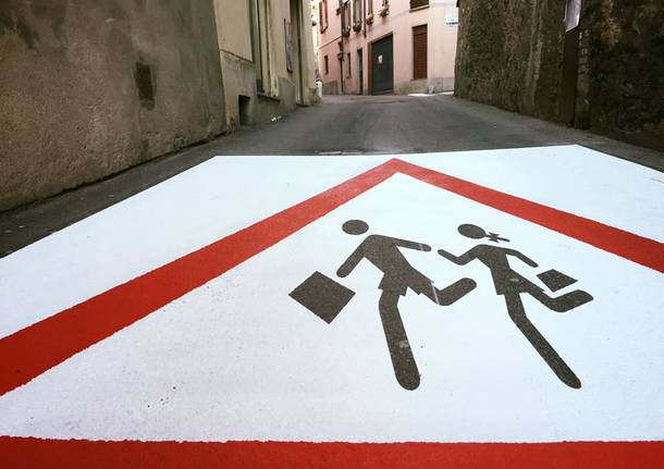 I mega segnali stradali disegnati