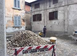 I lavori in centro a Castello Cabiaglio