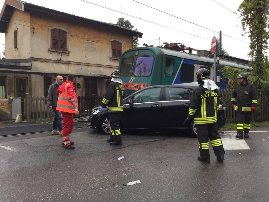 Incidente passaggio a livello Crenna Gallarate 23 novembre 2016