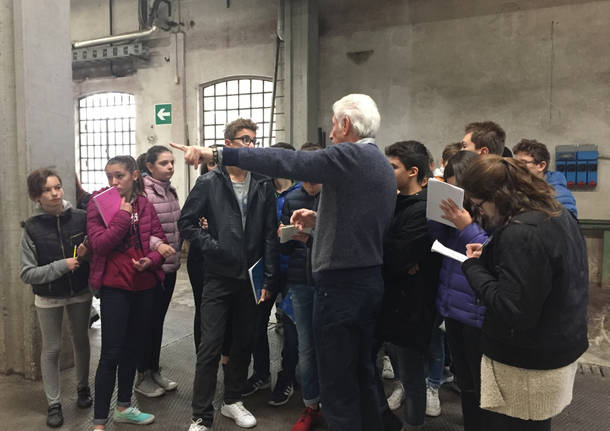 Studenti alla tintoria clerici Gallarate Pmiday
