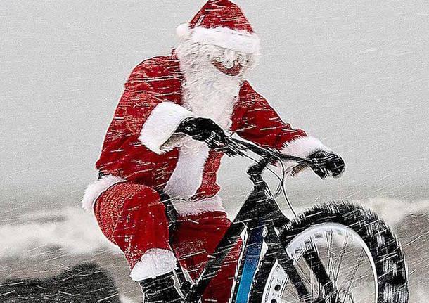 babbo natale bicicletta