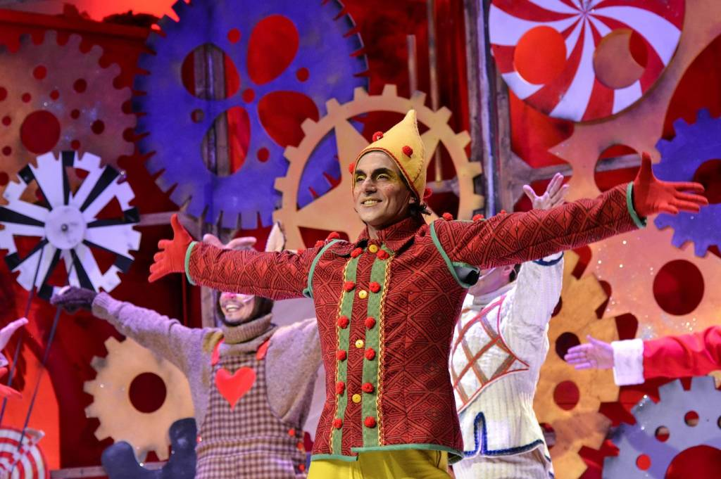 L Apprendista Di Babbo Natale.Babbo Natale Al Teatro Pasta Per Trovare Le 13 Erbe Cosa Fare A Varese